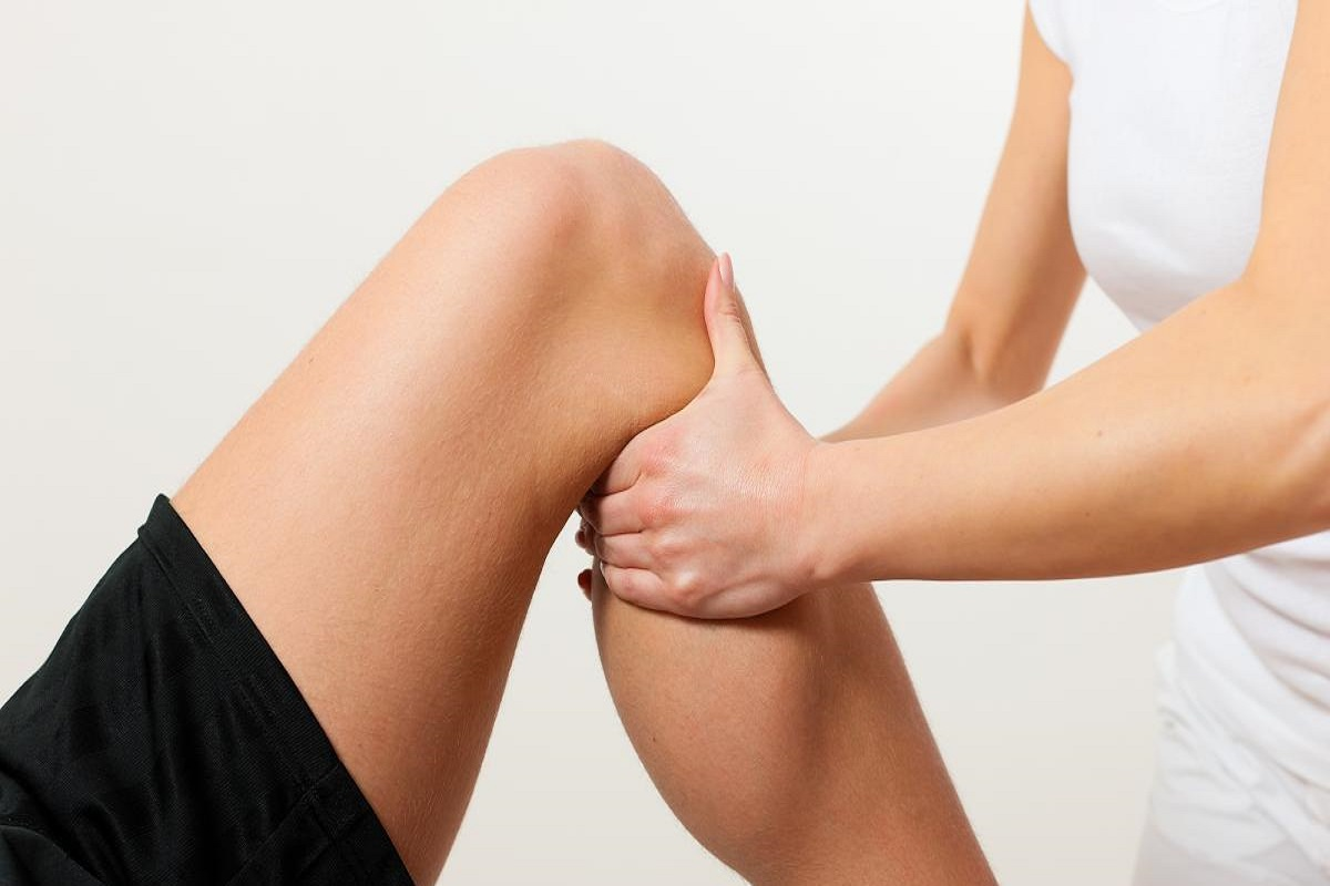 Top 5 Tips for Treating Knee Pain Without Medication