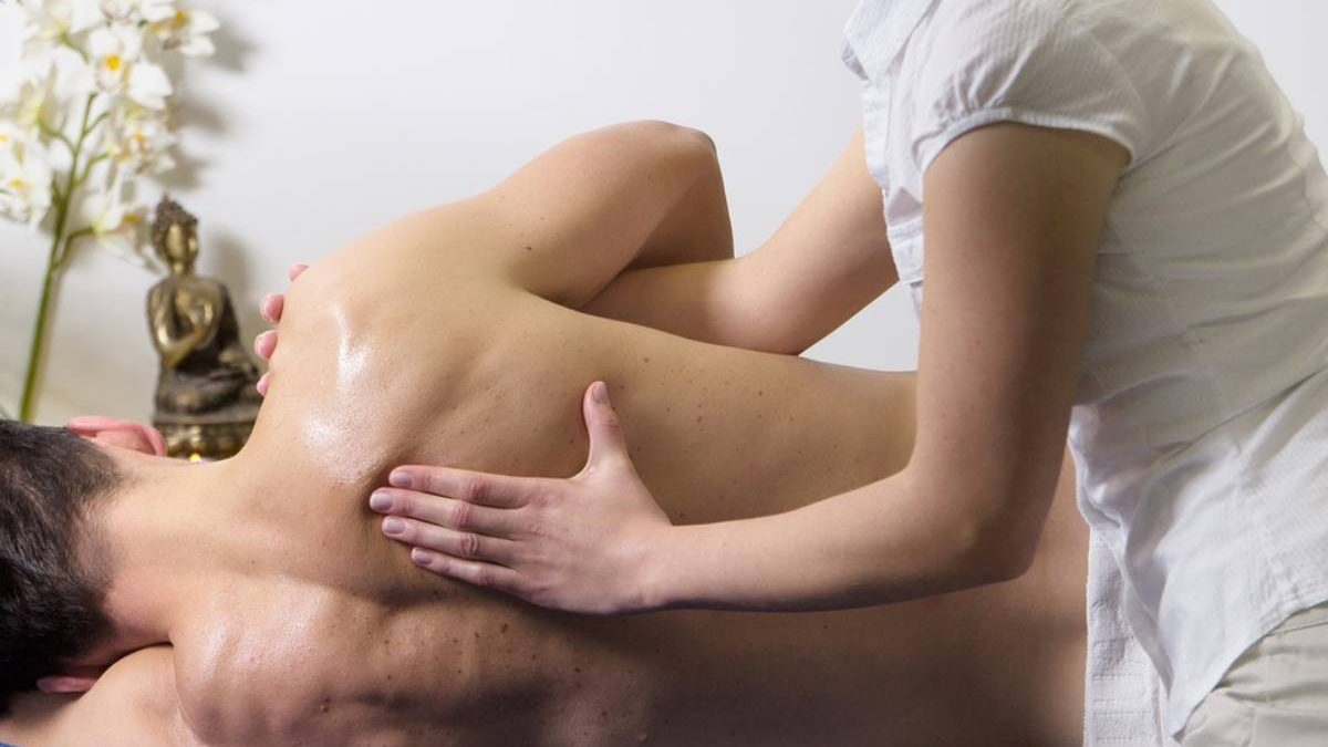 A Breath Of Relief: 3 Efficient Ways Of Dealing With Shoulder Pain