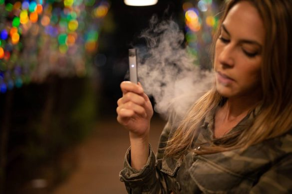 6 Myths About Vaping and E-Cigarettes That Are Spread by the Tobacco Industry