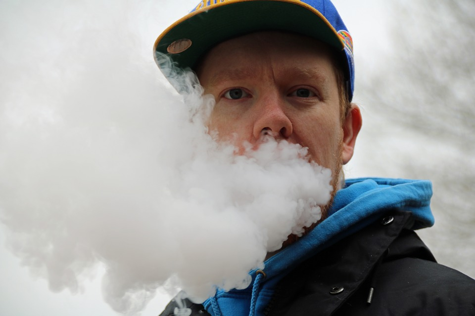 Top Tips for Vaping While Traveling