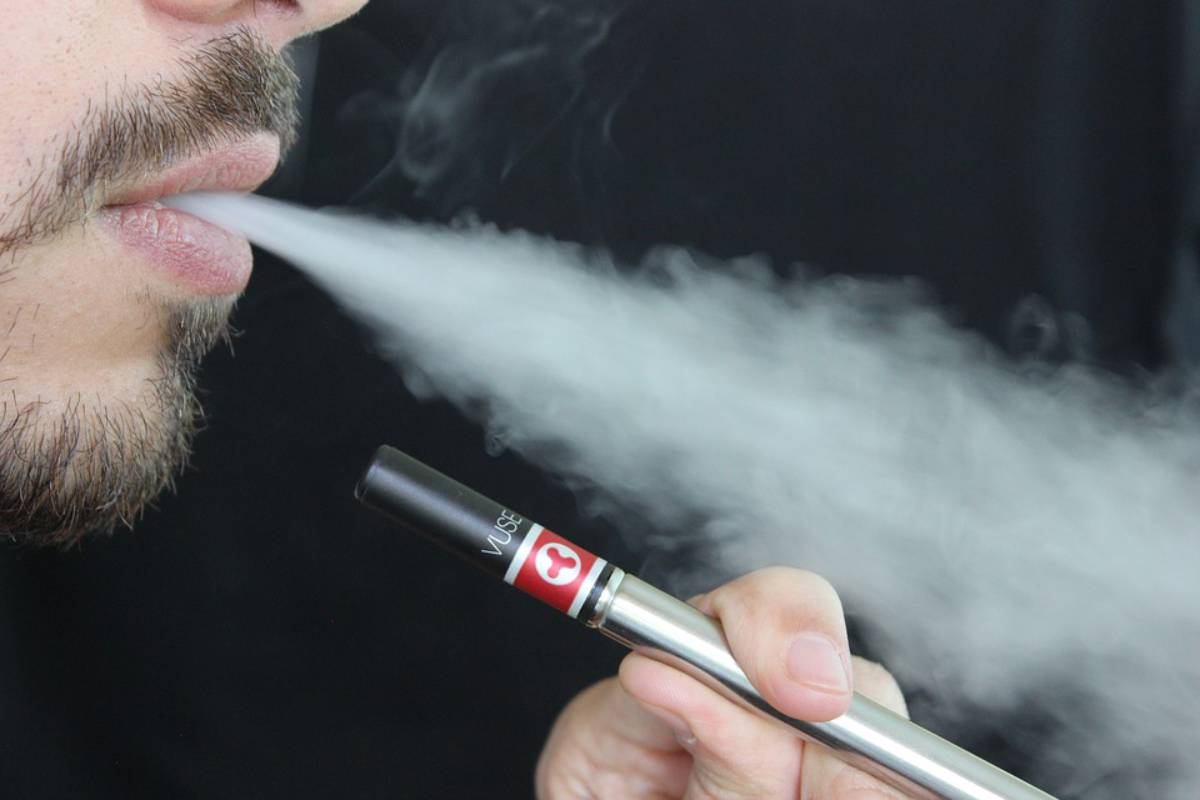 Traditional smoking is less harmful than vaping