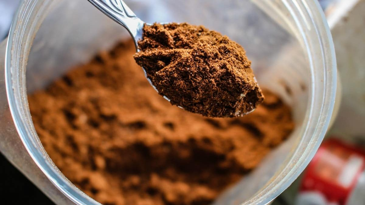 The Pros and Cons of Protein Powder