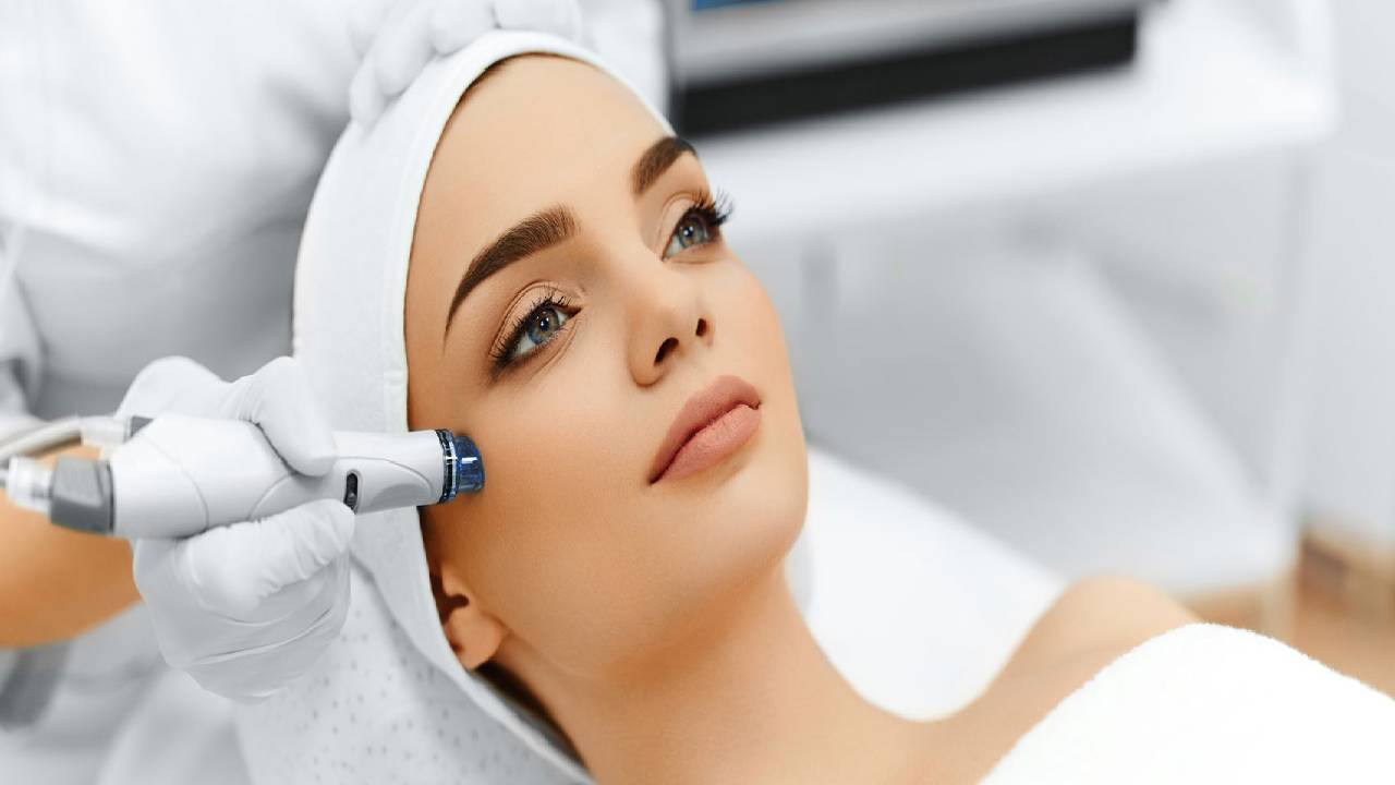 What is HydraFacial and what does it do