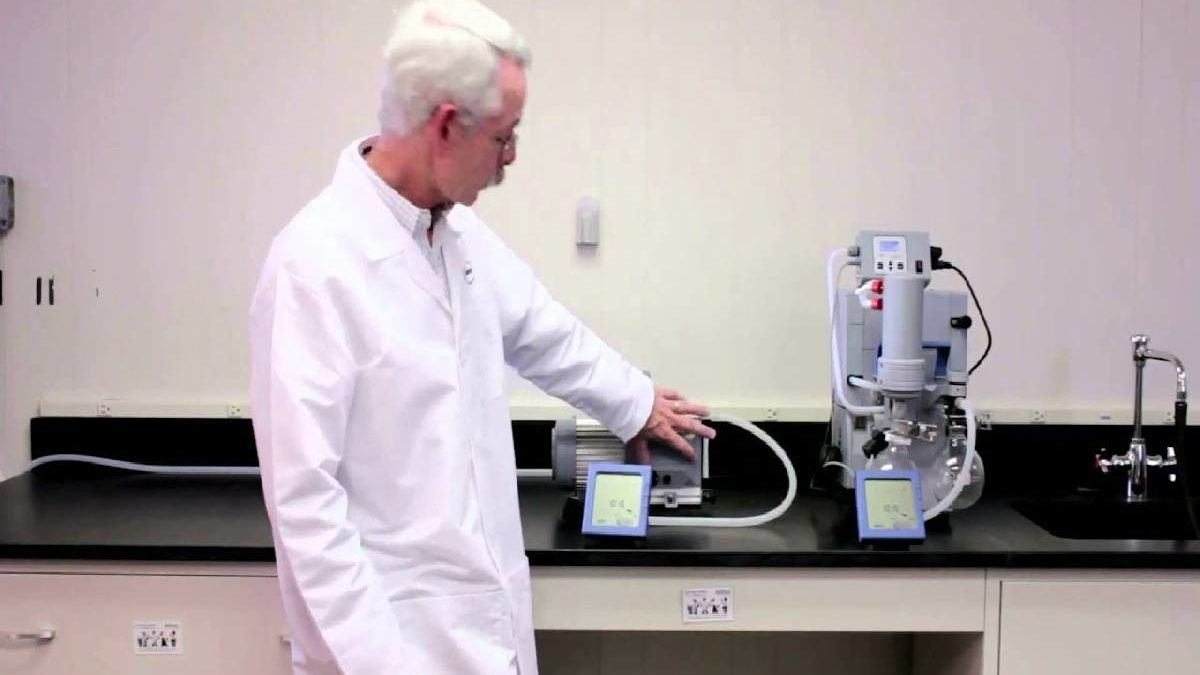 Factors to Consider When Buying a Laboratory Vacuum Pump
