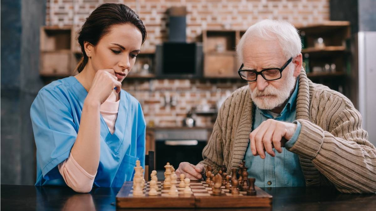 How To Choose The Right Caregiver For Your Elderly Loved Ones