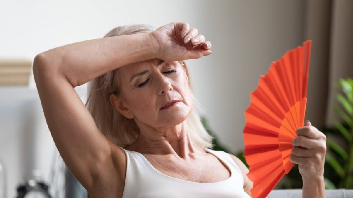5 Ways to Deal With Menopause Symptoms Naturally