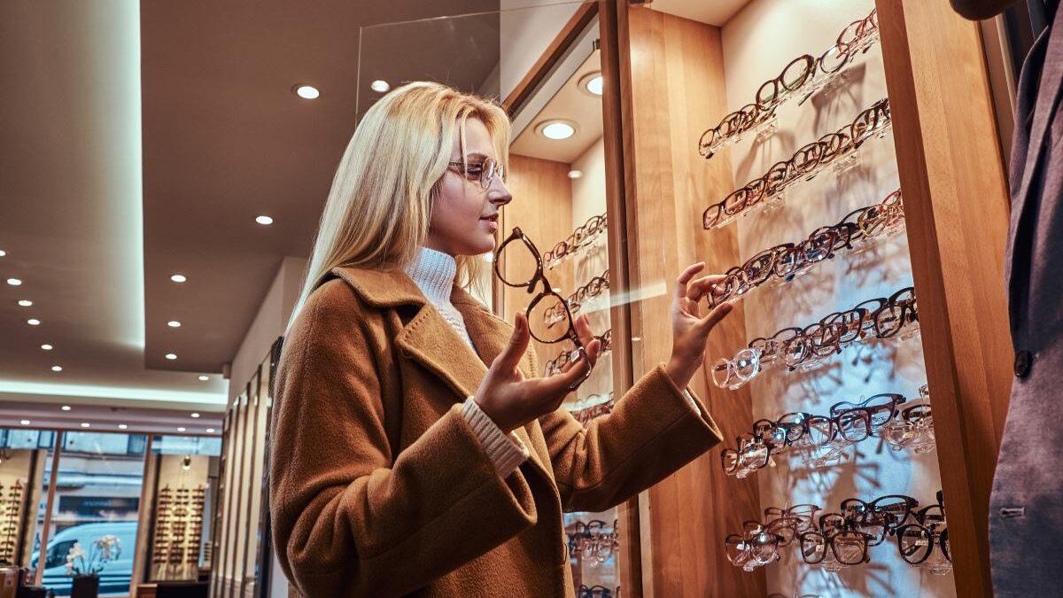 5 Benefits of an Eyeglasses Store When Needing New Glasses