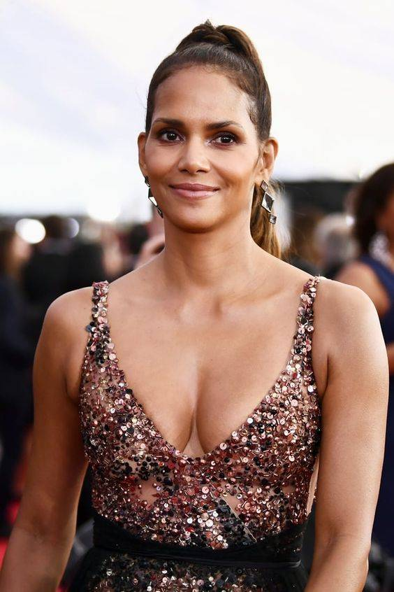 Halle Berry - Celebrity Stylists