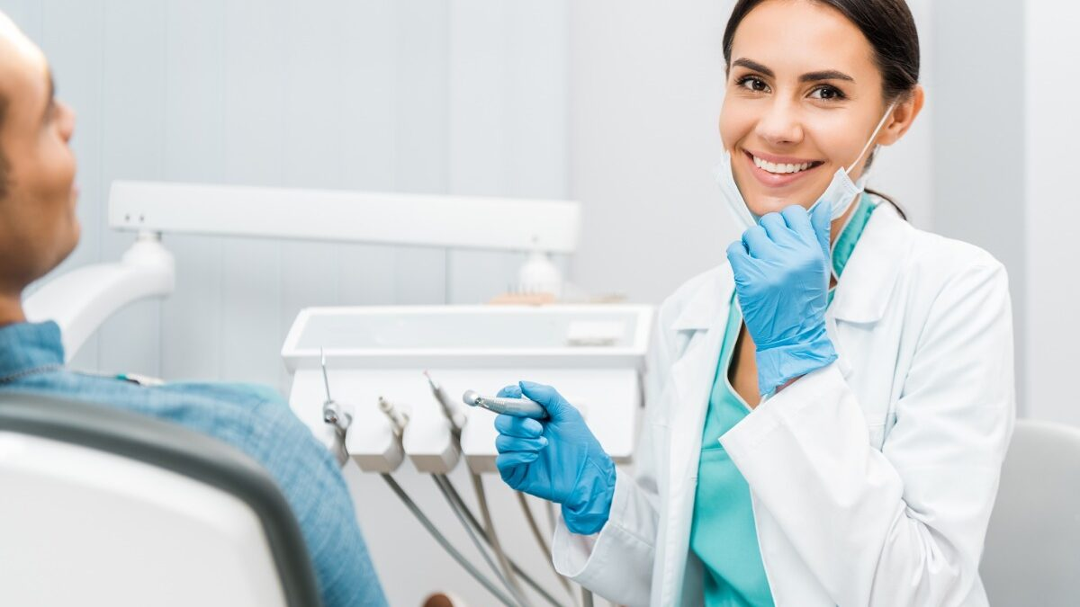 How To Pursue a Career as a Periodontist