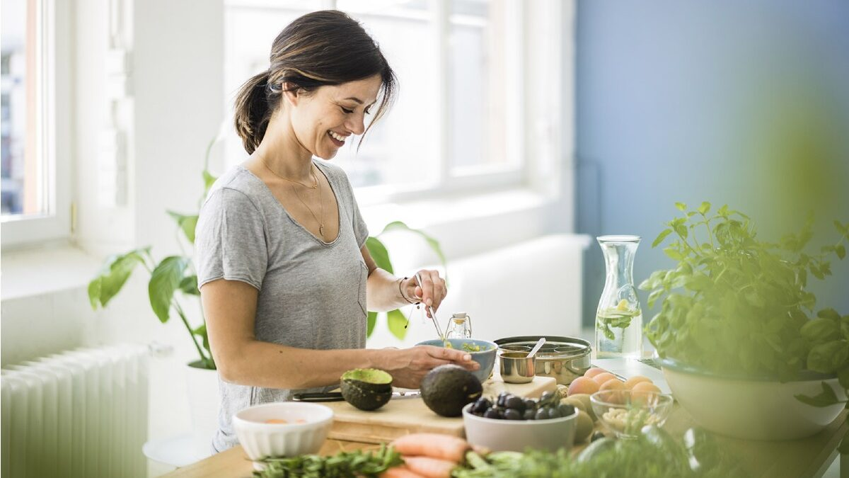 5 Intermittent Fasting Tips During Menopause